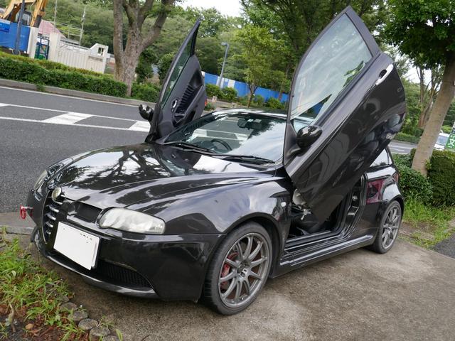アルファロメオ GTA セレスピード ガルウイング 黒革シート シートヒーター PAZZOバルブ切替式マフラー 戸田レーシング車高調 18インチアルミ ETC タイミングベルト クラッチ交換歴あり TEREXSエンジン内部洗浄施工済み