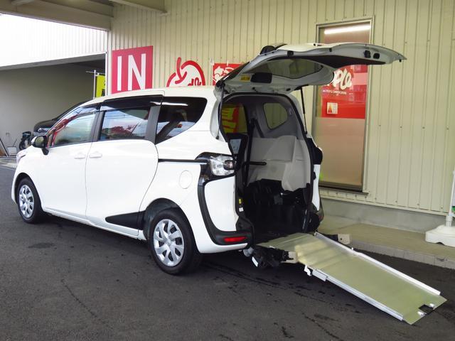 トヨタ  福祉車スローパー車いす固定1台2ヶ所 車高調整機能付4人乗り 後退防止ベルト 純正ナビ パワースライドドア ウインカーミラー プライバシーガラス
