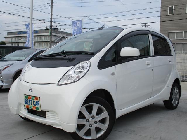 三菱 G 禁煙車 カロッツェリアフルセグナビTV バックモニター Bluetoothオーディオ 運転席シートヒーター オートエアコン ドアバイザー 充電ケーブル付き 純正アルミホイール