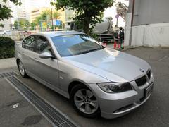 BMW323i正規ディーラー下取車 1オーナー禁煙車 記録簿12枚
