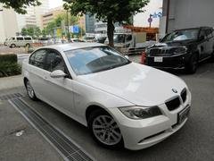 BMW320i 正規ディーラー下取車 禁煙車 ディーラー記録簿7枚
