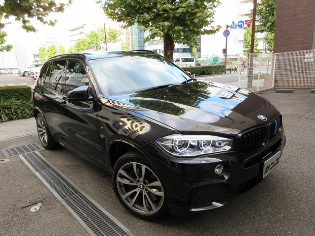 BMW X5 xDrive 35d Mスポーツ 新車保証継承 正規ディーラー下取車 1オーナー禁煙車 正規ディーラー記録簿2枚有り ガレージ保管車 ボディーコーテング施工歴有り サービスPKG実施車 7人乗 フィルム貼り リヤモニター2個 20AW