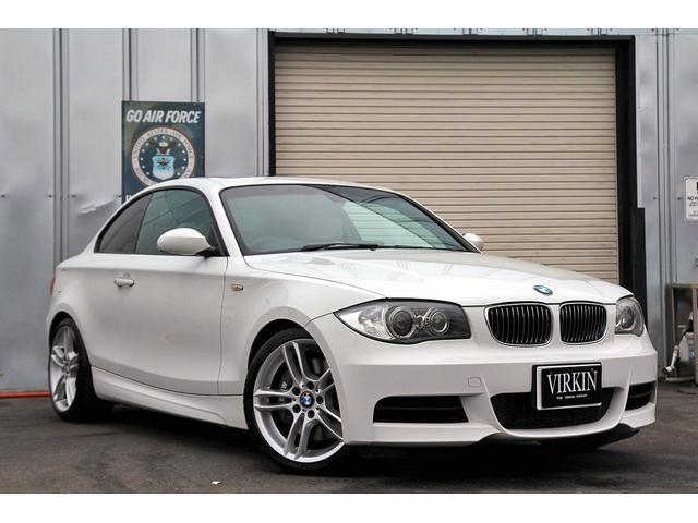 BMW 1シリーズ 135i ベージュレザー サンルーフ idriveナビ ETC パドルシフト HIDライト 18インチAW シートヒーター MTモード 正規D車