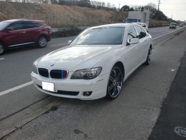 BMW 7シリーズ 750i (なし)
