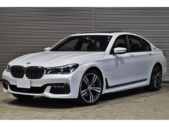 BMW 740eアイパフォーマンス Mスポーツ 純正OPリアモニター