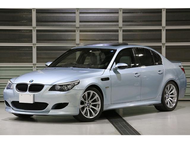 BMW M5 後期LCIモデル 令和1年12月49800km時クラッチ交換済 シルバーストーンレザー メープルウッドトリム ヘッドアップディスプレイ シートヒーター サンルーフ 19AW 純正ナビ バックカメラ
