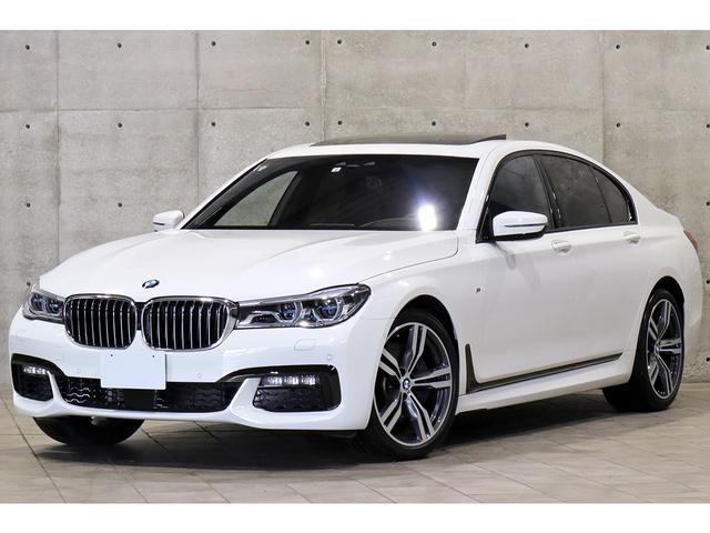 BMW 750i Mスポーツ 左ハンドル ガラスサンルーフ ブラックナッパレザー ベンチレーション ドライビングアシストプラス レーザーライト HUD トップビュー 4ゾーンエアコン harman/kardon 純正20AW