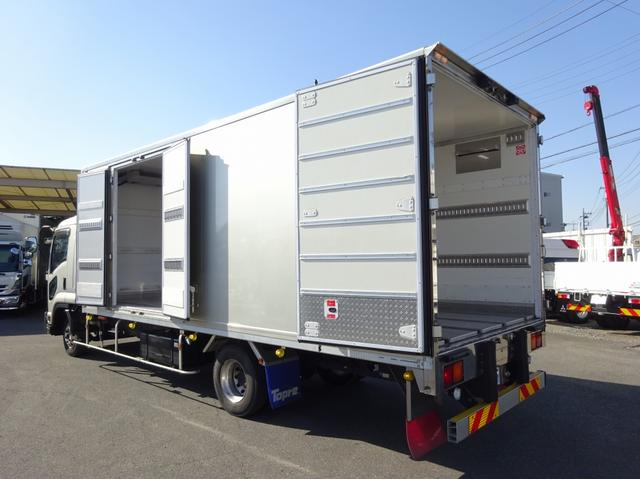 いすゞ  低温冷凍車 -30℃設定 左両開観音扉 リアエアサス ワイド ベッド付 2750kg積み 240馬力
