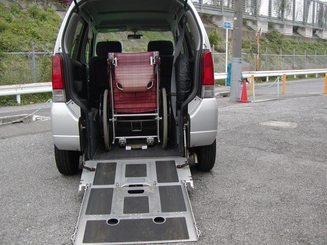 マツダ 車椅子付き移動車 福祉車両 キーレス