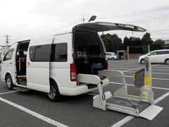ハイエースコミューター福祉車両 4WD 寒冷地仕様 車いす4基