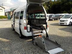 キャラバンバス福祉車両 チェアキャブ Mタイプ 8人・車いす2脚仕様