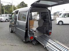 NV100クリッパーバン福祉車両 補助席あり スロープ仕様 ニールダウン