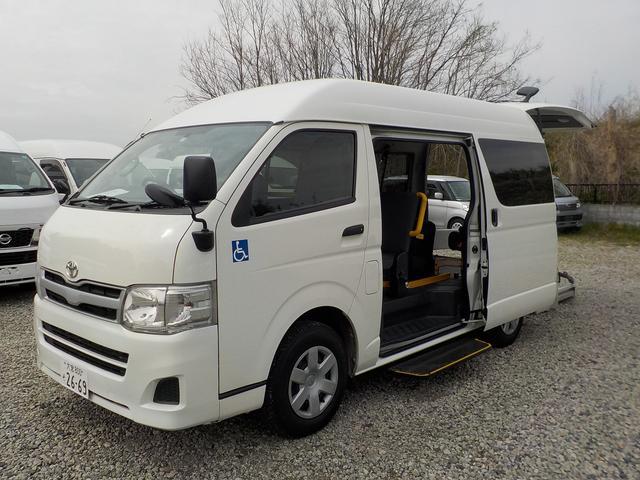 トヨタ 福祉車両 Bタイプ 車いす2脚 自動ドア サイドステップ