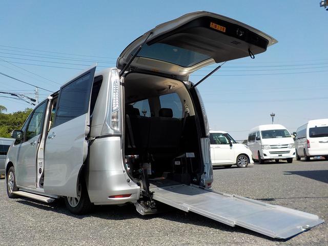 日産 福祉車両 スロープ3列目格納 自ドア 手すり ロングステップ