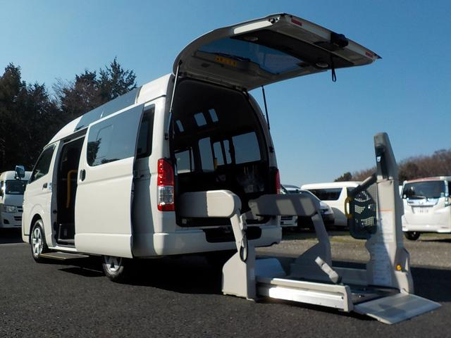 トヨタ 福祉車両 Bタイプ 車いす2脚 リアリフト Bカメラ 横窓