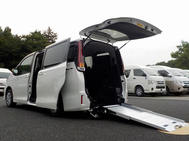 トヨタ 福祉車両 スロープタイプI 車いす2脚 自動ドア ウィンチ