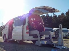 レジアスエースバンウェルキャブ Bタイプ 車いす2脚仕様 福祉車両 電動固定式 リアリフト ディーゼル4WD オートステップ 手すり ルーフサイドウィンドゥ