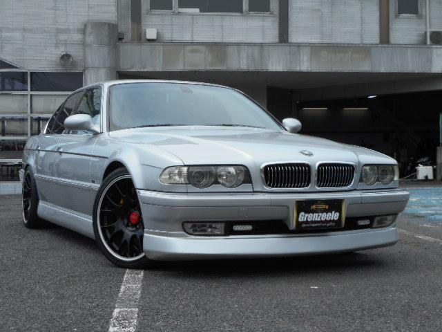 BMW 740i 黒革 サンルーフ BBS19AW 天張り張替済み