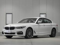 BMW530e Mスポーツアイパフォーマンス レザーシート
