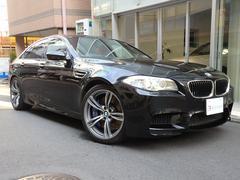 BMWM5 20インチAW・サンルーフ・赤革・リアシートヒーター