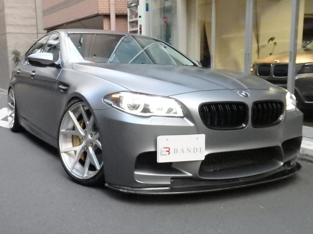 BMW M5 CCブレーキ サンルーフ フローズングレー21AW