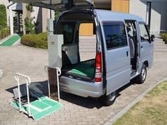 サンバーバン福祉車両トランスポーター リフト式車いす移動車 車いす2台積