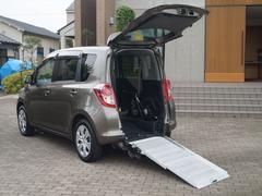 ラクティスG 福祉車両ウェルキャブ車椅子仕様スローパー