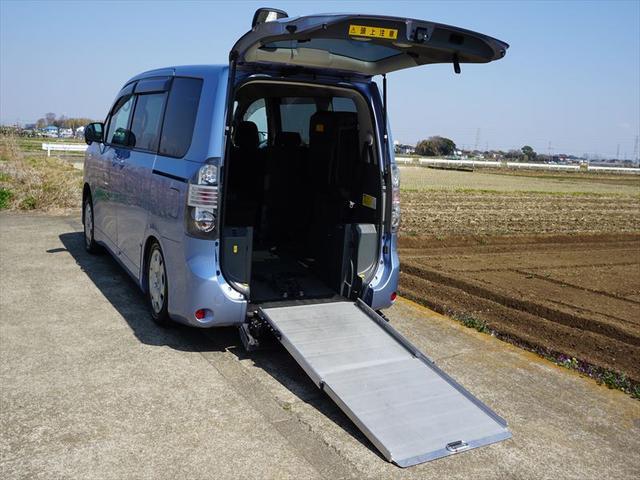 トヨタ X Lエディション 車椅子仕様車 スローパー サードシート付
