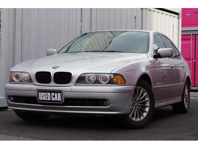 BMW 525i  黒革 純正16AW ナビ