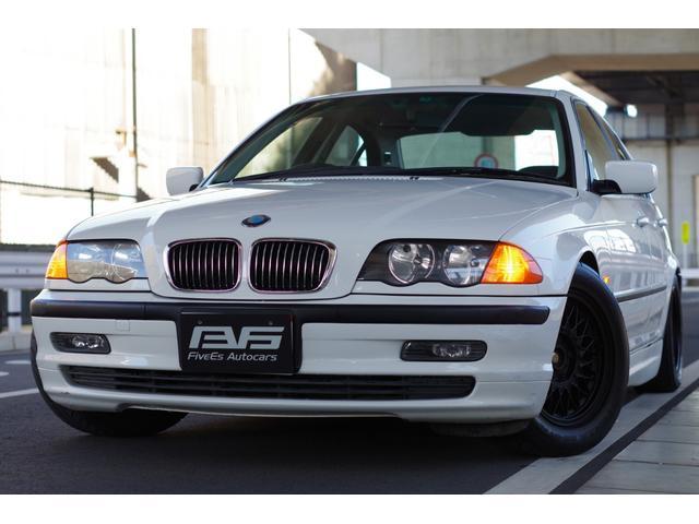 BMW 3シリーズ 320i 純正スポーツシート スポーツステアリング 車高調