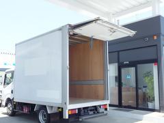アトラストラックパネルバン 4WD 5速 フォールディングドア 積載1.1t
