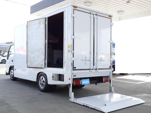 荷台発電機搭載 パネルバン 新明和すいちょくゲート 最大昇降荷重600Kg 左サイドドア 荷台エアコン・換気扇 実走行 荷台床鉄板張り 記録簿有り 5MT・3ペダル NOx・PM適合(1枚目)