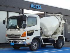 レンジャー カヤバミキサー車 ドラム容量3.2立米 最大混合容量1.6立米 KYB MR1640 積載3,730Kg 水タンク 原動機J07E Dターボ 210馬力 6MT・3ペダル 車両総重量7,970Kg