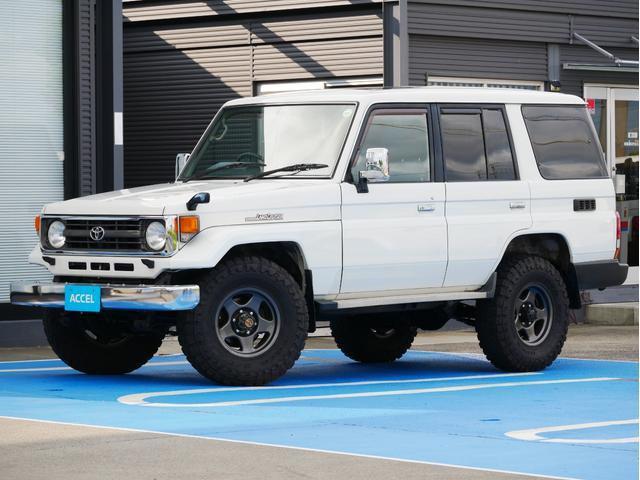 トヨタ LX HZJ77V 前後デフロック 5MT 4ナンバー ナロー ブラV5本 サクソンマフラー メーカーオプション:集中ドアロック・パワーウインド・サンルーフ 寒冷地仕様車 記録簿有り NOx・PM非適合