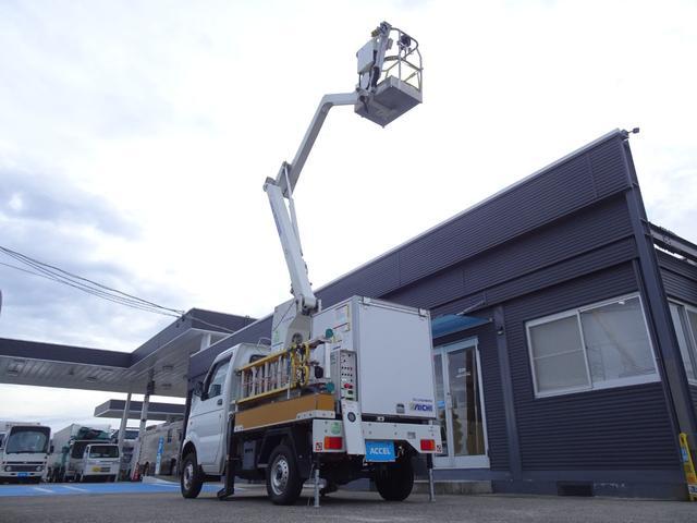 スズキ キャリイトラック  高所作業車 作業床高さ5.4m アイチ タウンマスター SC05ARN 作業床積載荷重120Kg 上物バッテリー駆動 後方大型収納箱 パートタイム4WD 普通車登録 8ナンバー 常時バックカメラ