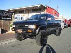 ダットサントラックキングキャブSE V6 4WD 左ハンドル