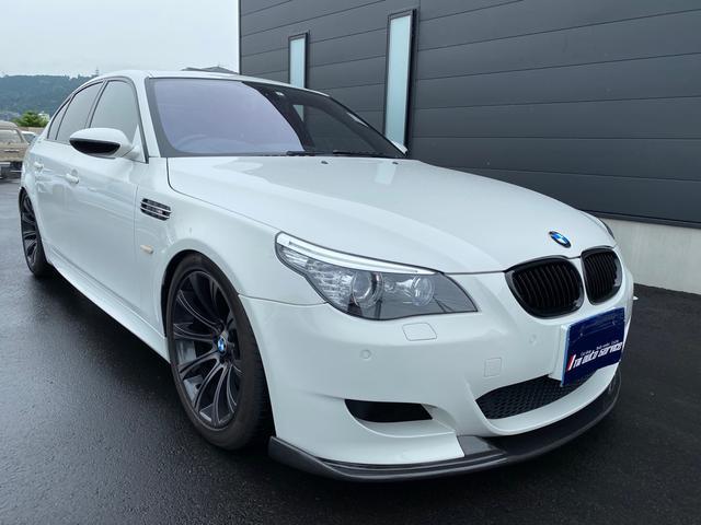 BMW M5 M5 M5 ディーラー車 右H 車高調 カーボンフロントスポイラー カーボンリアスポイラー 純正AW サンルーフ ドラレコ レーダー探知機 黒革シート 外TVチューナー