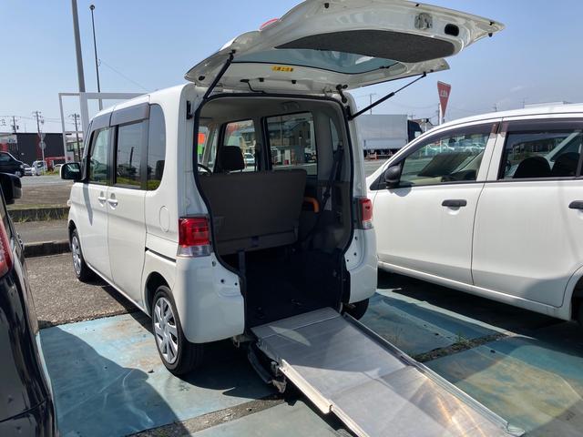 ダイハツ  車椅子送迎車 スロープタイプ ホワイト 4名乗り オーディオ付 HID ベンチシート パワーウィンドウ