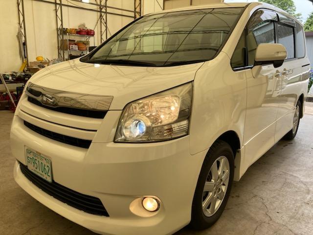 トヨタ ノア S Gエディション ナビ・DVD・フルセグTV・CD・Bluetoothオーディオ・スマートキー・両側パワースライドドア・バックカメラ・フリップダウンモニター