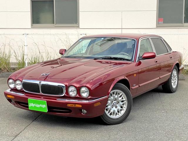 ジャガー XJ XJ エグゼクティブ4.0-V8 XJ エグゼクティブ4.0-V8(5名)喫煙車 本革シート 木目 左ハンドル