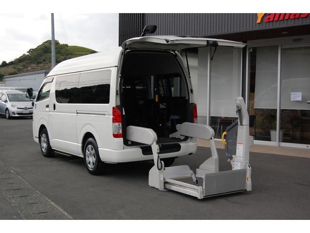 トヨタ  福祉車両 車いすリフト 車いす2基10名乗車 ナビバックカメラ  全国登録料込み価格 全国1年保証