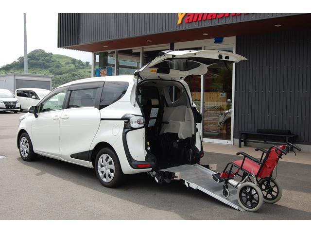 トヨタ  福祉車両スロープタイプ1 純正ナビ 車いす1名+3名乗車または5名乗車 車いす移動車スローパーウェルキャブ 全国1年保証