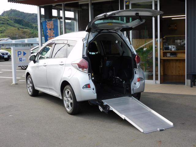 トヨタ X 福祉車両 車いすスロープ 純正ナビ バックカメラ 車いす1名3名乗車 全国1年保証