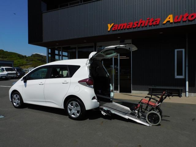 トヨタ  福祉車両 車椅子スロープ 車椅子1基3名乗車