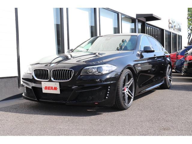 BMW 523iラグジュアリーBEAMコンプリートカー黒革衝突軽減B