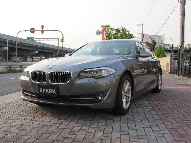 BMW 5シリーズ 523i ハイラインパッケージ ベージュレザー/シートヒーター/コンフォートアクセス/HDDナビ/フルセグ/バックカメラ/前後PDC/クルーズコントロール/ブルートゥース/ミュージックサーバー/ミラーETC/直列6気筒エンジン