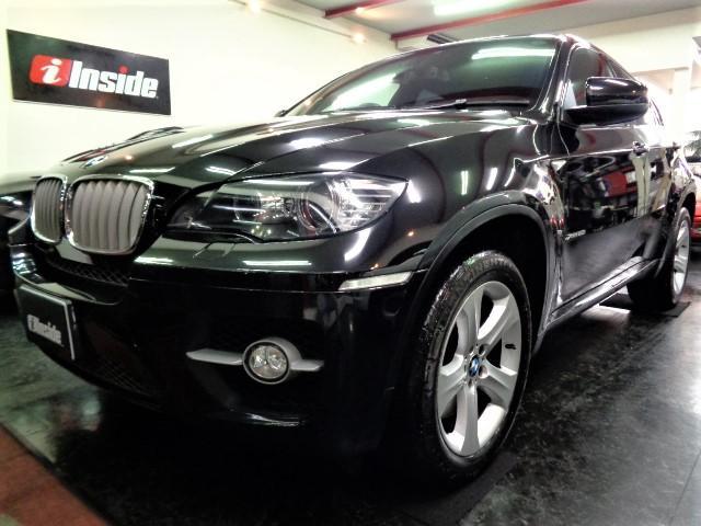 BMW xDrive 50i 4.4V8ツインターボ407PS6速パドルシフトブラックレザーウッドインテリアHDDナビTVバックカメラ電動リアゲートパワーシートシートヒータークルーズコントロール前後ソナースマートキー1オーナー車
