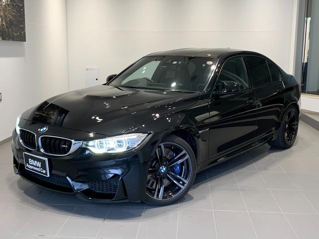 BMW M3 カーボンインテリア・パーキングサポートパッケージ・ヘッドアップディスプレイ・レーンチェンジウォーニング・ブラックレザー・シートヒーター・カーボンルーフ・インテリジェントセーフティ・地デジ・純正19AW