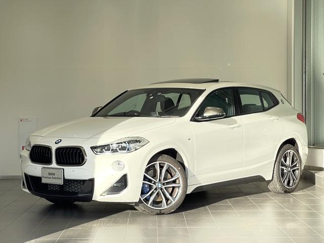 BMW M35i サンルーフ・LEDヘッドライト・ブレーキ軽減システム・パドルシフト・オトトランク・黒革シート・シートヒーター・電動シート・電子シフト・SOSコール・ミラー内蔵ETC・コンフォートアクセス・純AWF39