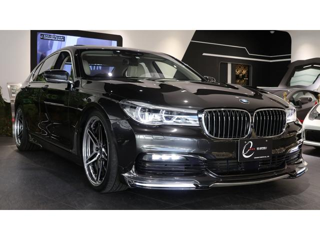 BMW 740i プラスパッケージ マルチファンクションレザーステアリング・ウッドトリム付 クライメートコンフォートガラス 電動ガラスサンルーフ ヘッドアップディスプレイ アイボリーレザーシート ディスプレイキー